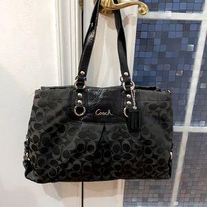 💕 Coach black jacquard large signature purse 💕